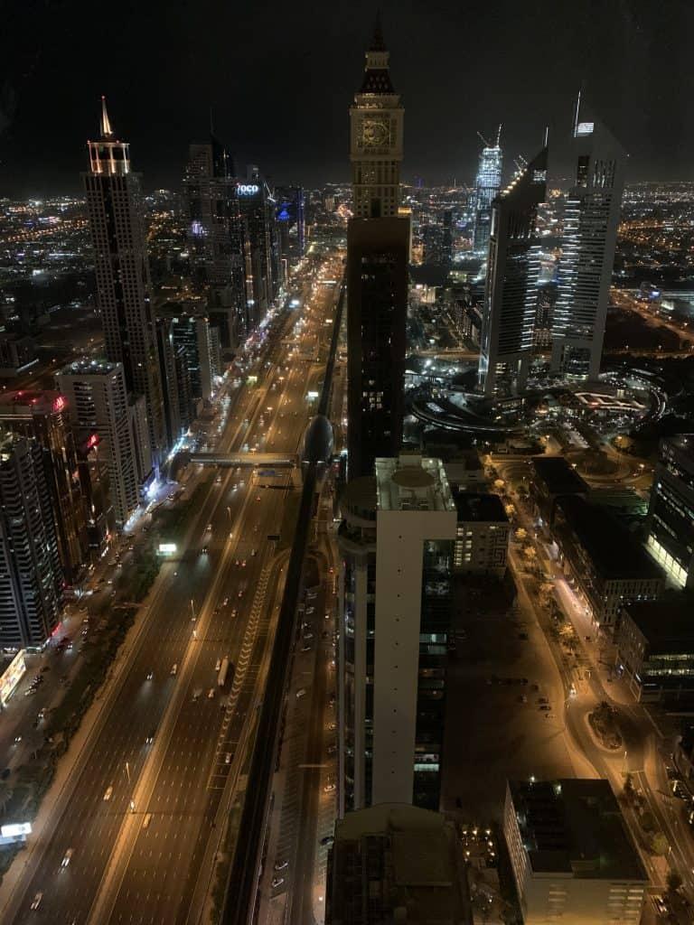 Aussicht aus dem zweiundsechzigsten Stock in Dubai