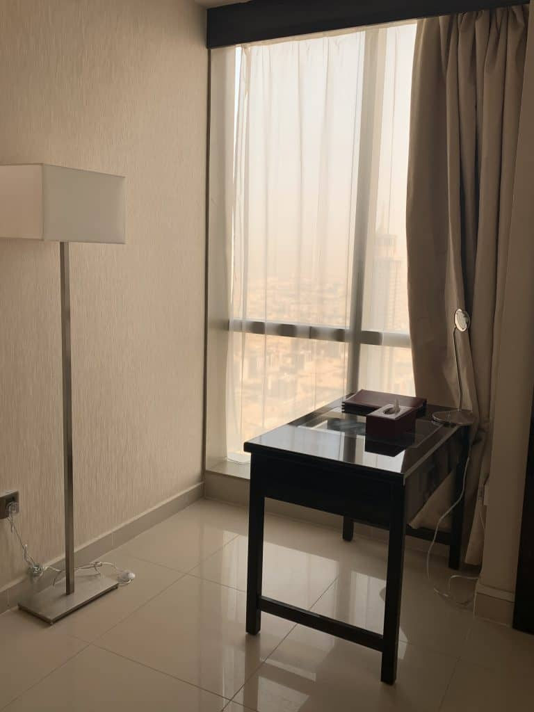 Arbeitsplatz im Hotelzimmer in Dubai